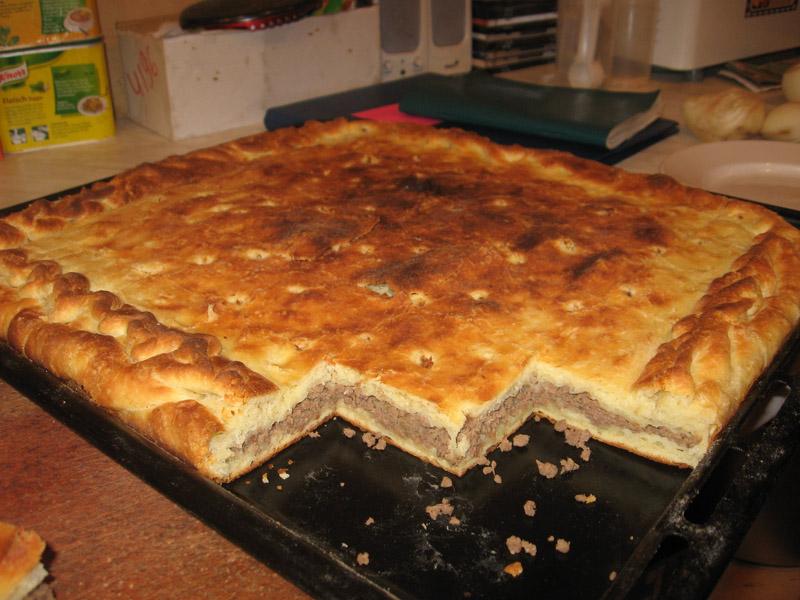 Рецепт мясных пирожков в духовке с фото
